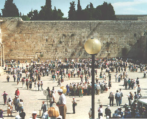 A Thursday Morning at the Wailing Wall